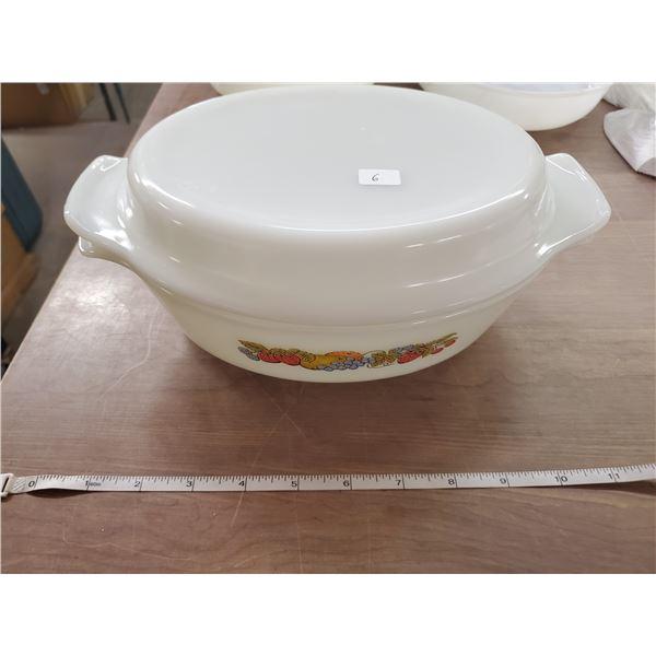 Anchor Hocking Fireking casserole dish & lid