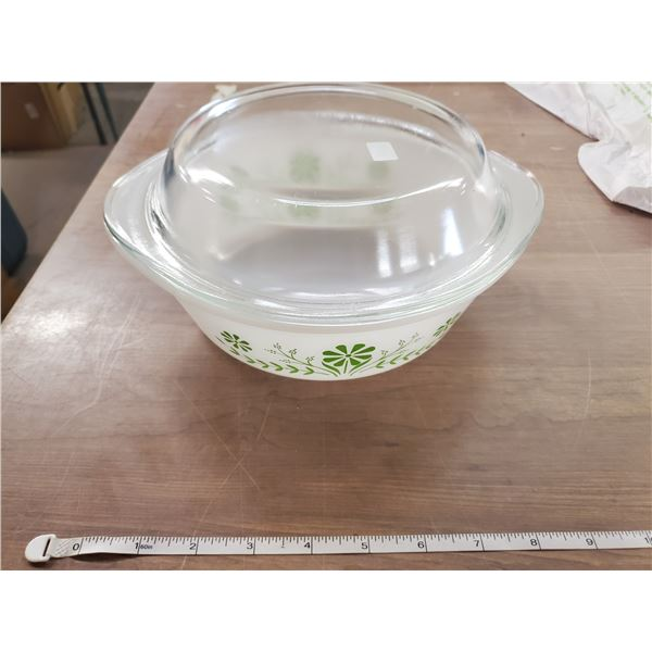 Glasbake green daisy 2 quart with lid