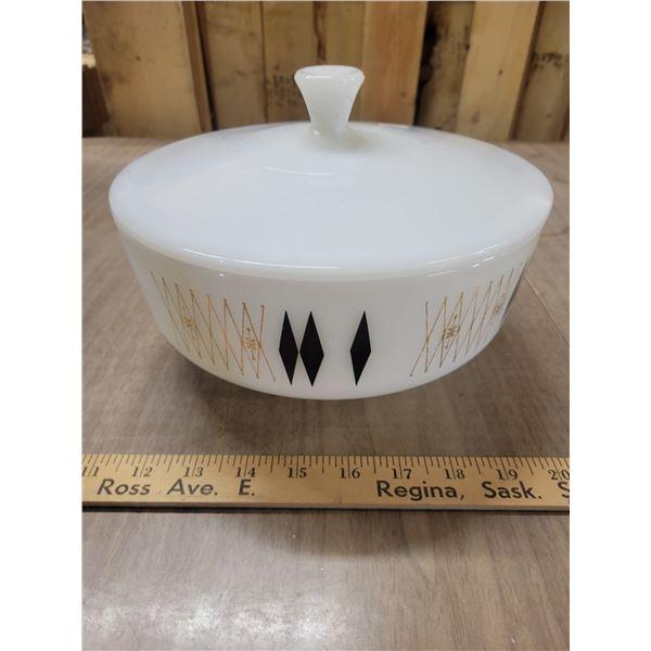 Fireking 3.5 quart Colonial diamond bowl