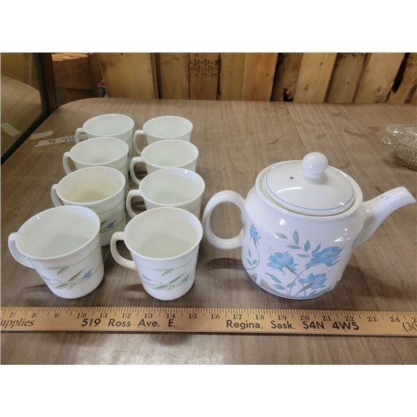 Corningware spring time tea set (kettle & eight cups)