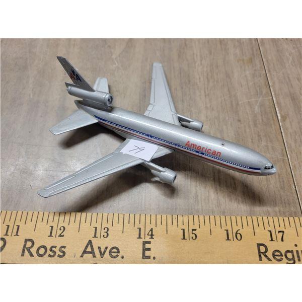 Vintage metal American Airlines