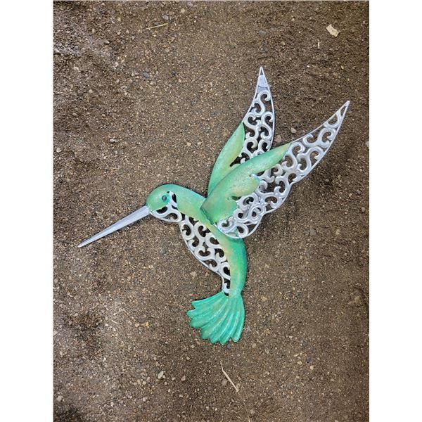 23 inch metal hummingbird