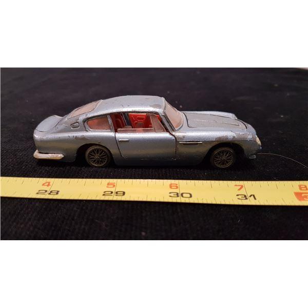 Dinky Aston Martin