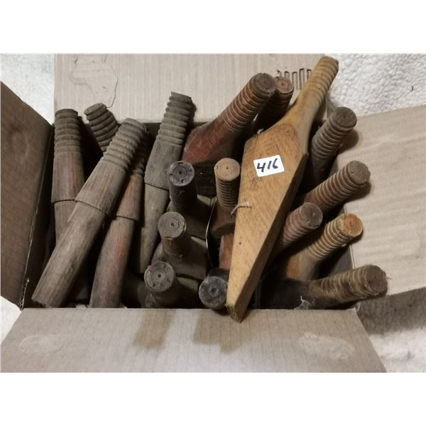 13 Large + 16 Small Wooden Insulator Holders