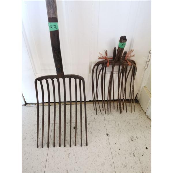 1 Coal Fork + 4 Hay Forks