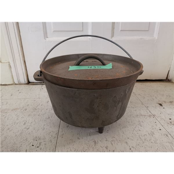 3 Footed Cast Iron Pot With Lids