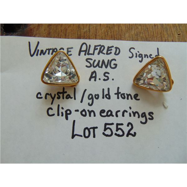 552 PAIR OF VINTAGE ALFRED SUNG AS SIGNED CRYSTAL GOLD TONE CLIP ON EARRINGS
