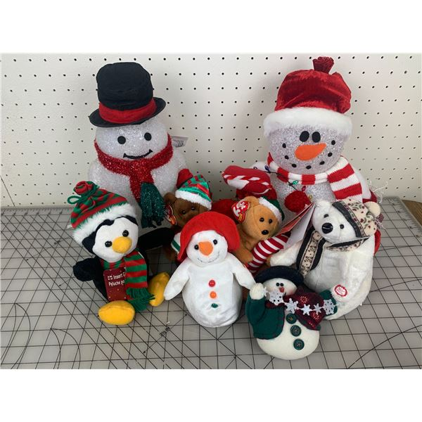 CHRISTMAS PLUSH TOYS AND DECORE SOME BEANIE BABIES