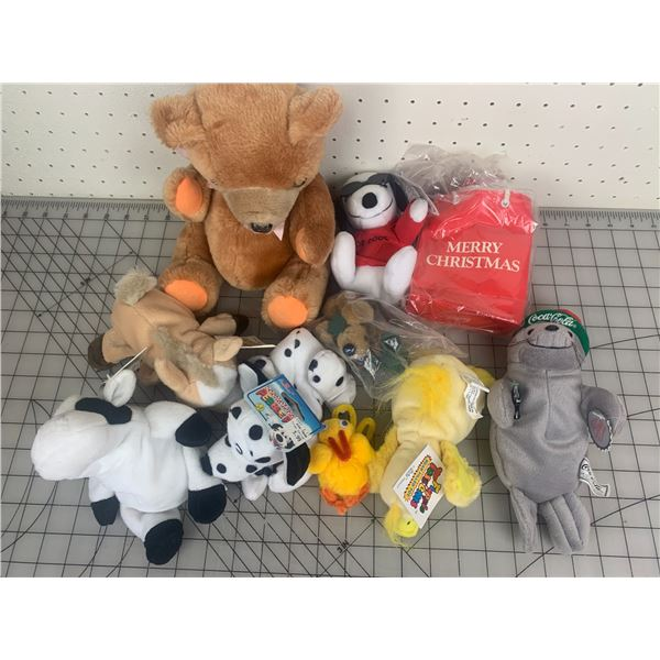 LOT OF VARIOUS PLUSH TOYS COCA-COLA SNOOPY AND MORE