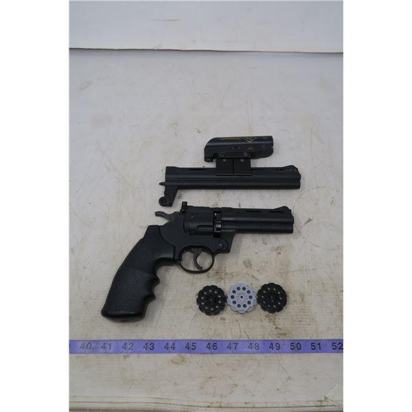 Crossman Air pistol + Extended Barrel & 3 Extra Cartridges