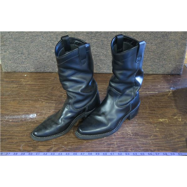 10EE Cowboy Boots, Dayton, made in Canada