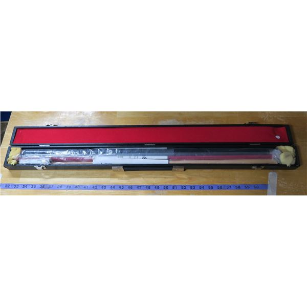 Cue Sight billiards cue Professional laser sighted New, with original case