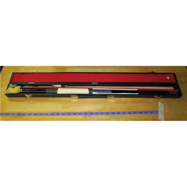 Cue Sight billiards cue Professional laser sighted Like new, with case
