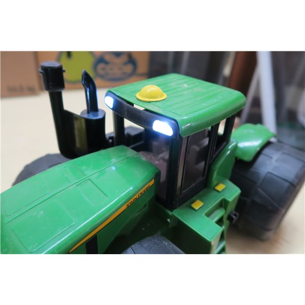 John Deere Plastic Toy Tractor with Lights and Sound
