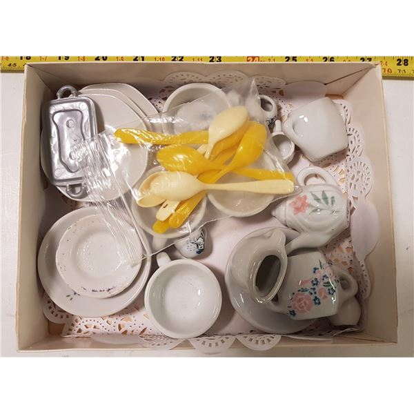 Lot of Doll Tea Dishes in Chocolate Box