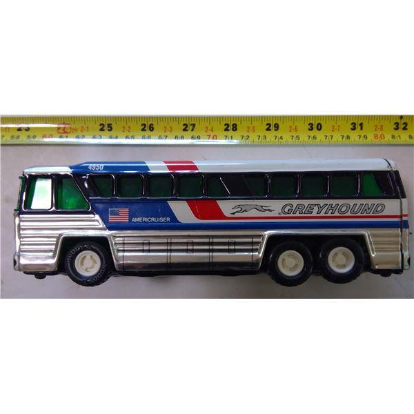 Buddy L Americruiser Grey Hound Bus 4950, made in Japan, 1979