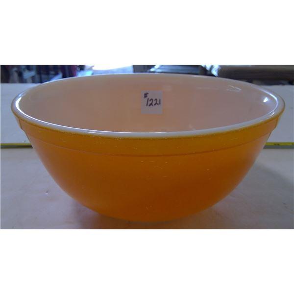 PYREX Gold Bowl #403. 2.5 Quart