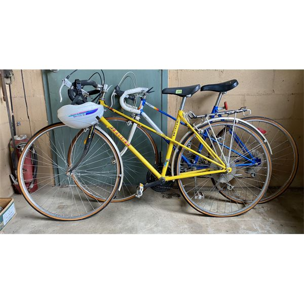 """LOT OF 2 - ROAD BIKES - RALEIGH & SUPER CYCLE - 27"""""""