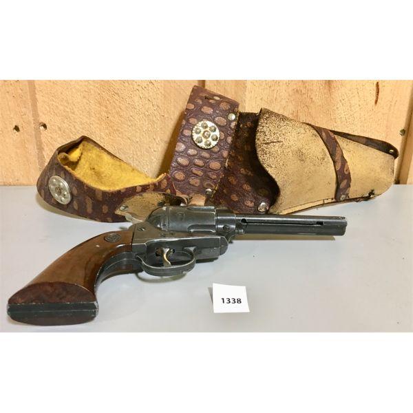 DAISEY .177 CALL BB GUN W/ VINTAGE HOLSTER