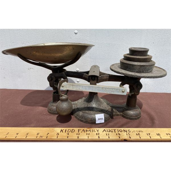 FAIRBANKS CAST COUNTER TOP SCALE W/ WEIGHTS