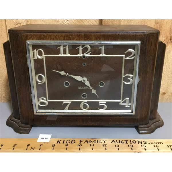 NEW HAVEN MANTLE CLOCK; EIGHT-DAY PENDULUM CHIME CLOCK
