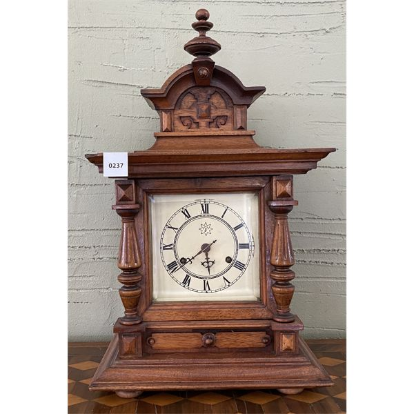 """UNGHANS MANTLE CLOCK W/ KEY - 18"""" TALL"""