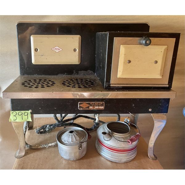 SALESMAN SAMPLE OF THE EMPIRE STOVE W/ POTS - ELECTRIC - 13.5 INCHES