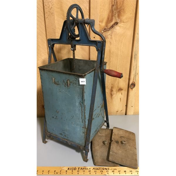 ANTIQUE BUTTER CHURN W/ PADDLES
