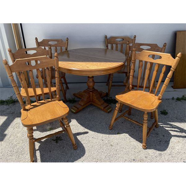 ROUND OAK PEDESTAL DINING TABLE, W/6 CHAIRS, LEAF