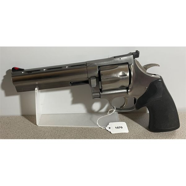 DAN WESSON MODEL 44 / 744 IN .44 MAG - RESTRICTED CLASS