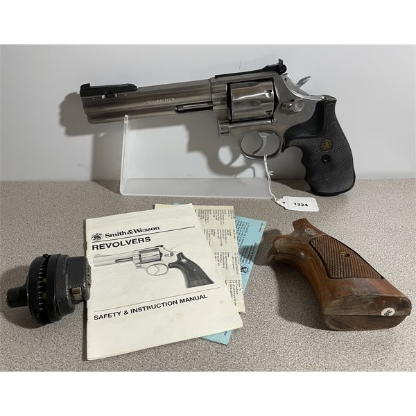 SMITH & WESSON MODEL M686-1 IN .357 MAG - RESTRICTED CLASS