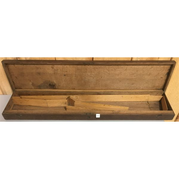 LONG ENGLISH OAK CASE WITH INSIDE PARTITIONS FOR A SHOTGUN
