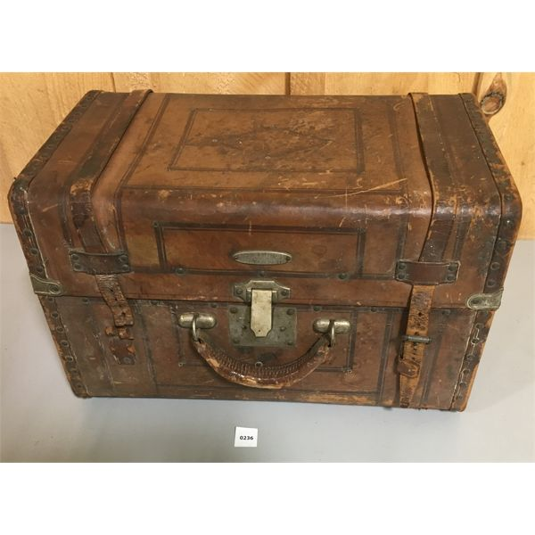 US Mc LILLEY & CO LEATHER SUIT CASE FOR MEMBERS