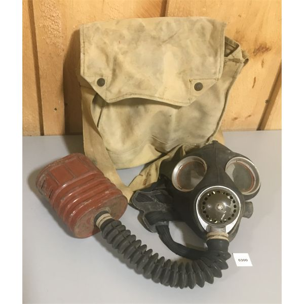 WWII CND GAS MASK W/ ISSED CANVAS CARRYING SACK
