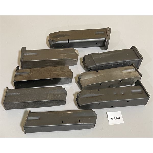LOT OF 8 - 9 MM (?) MAGS
