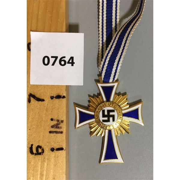 GOLD MOTHERS CROSS - 1ST CLASS GOLD FOR 8 OR MORE OFFSPRING.