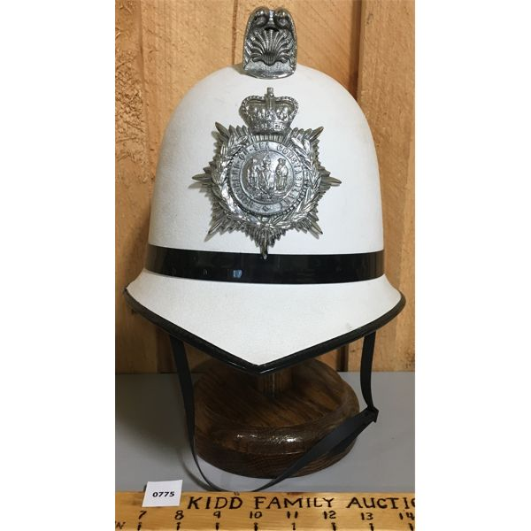 SOUTHEND-ON-SEA CONSTABULARY POLICE HELMET CIRCA 1960 ENGLAND