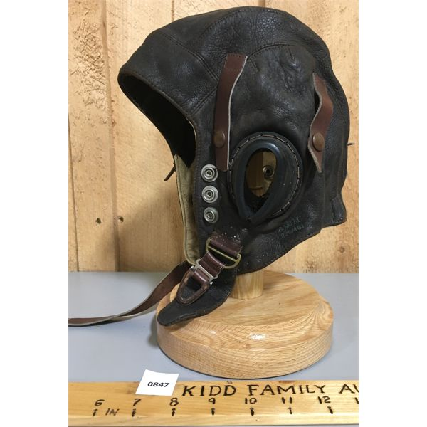 MILITARY ISSUE WWII - LEATHER 12AF AIR MINISTRY FLIGHT HELMET - MARKED WARNER