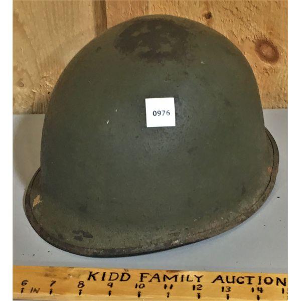 ARMY HELMET - NO VISIBLE MARKINGS