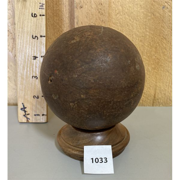 AMERICAN CIVIL WAR CANNON BALL - 4 POUNDER