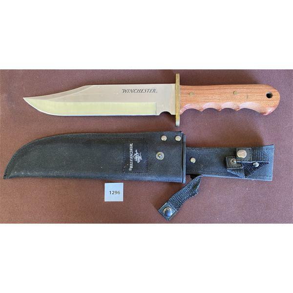 WINCHESTER HUNTING KNIFE W/ SHEATH - 8.5 INCH BLADE