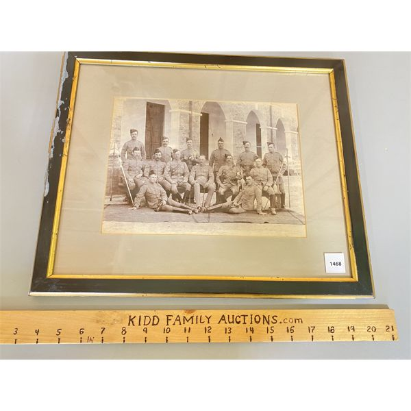 FRAMED PHOTO - 1901 HOWITZER SECTION - BRITIAN - 14 X 17 INCHES