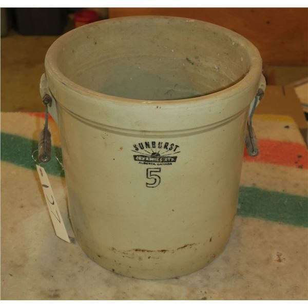 5 Gal Sunburst Crock, Appears in good condition