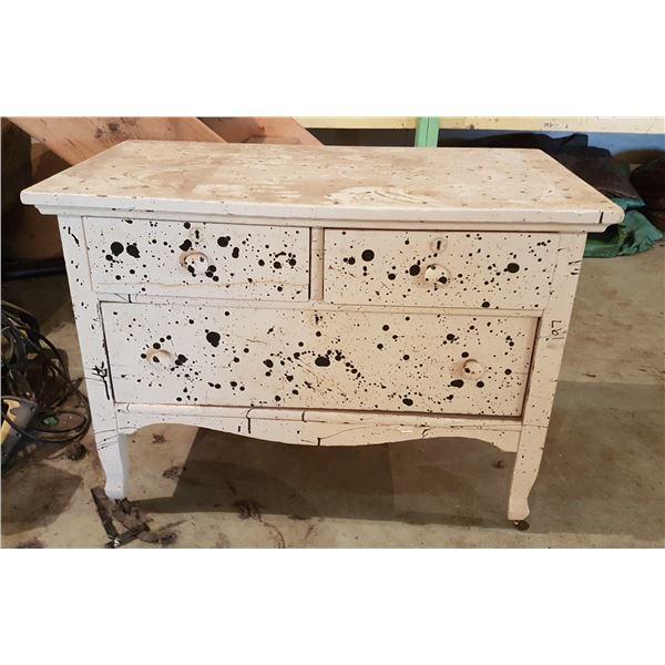 """Small Vintage Dresser on Castors36""""×20""""×26"""""""
