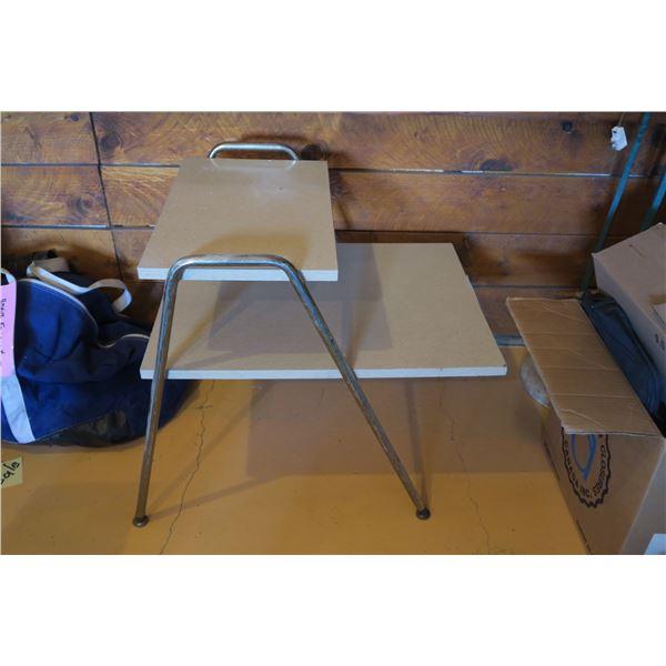 "Vintage End Table 24""×18""×24"""