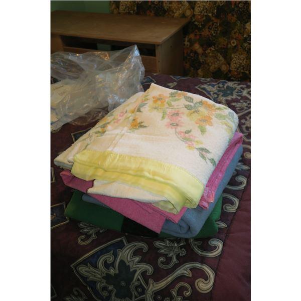 Lot Wool/Blankets