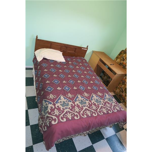 """Double Bed, 56""""×19"""" + Blankets"""