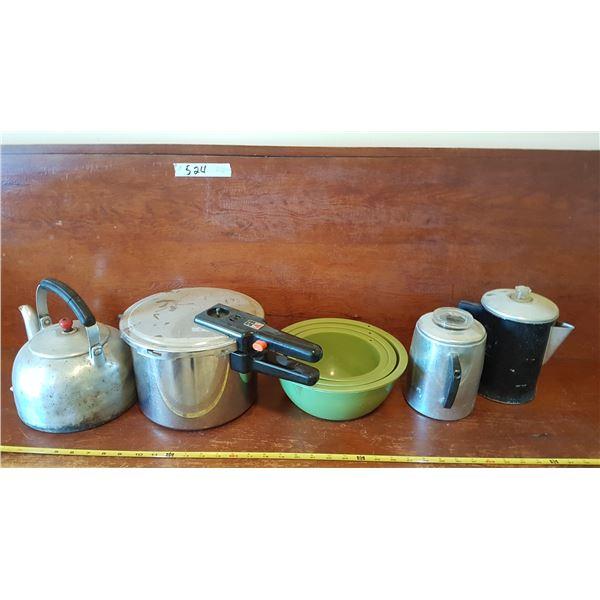 Lot Pressure Cooker & Kitchenware