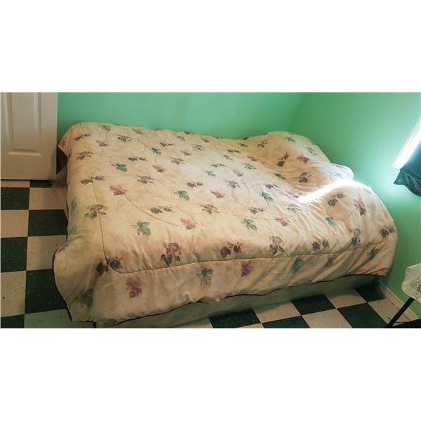 Queen Bed & Bedding (No Frame)