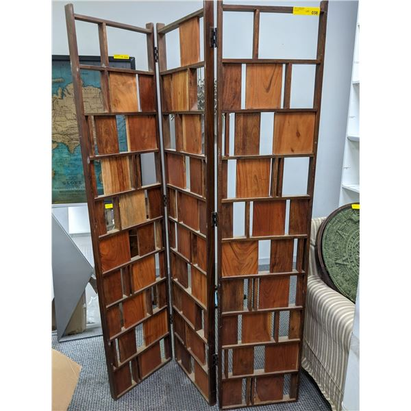 3 panel wooden room divider from the popular sci-fi tv series
